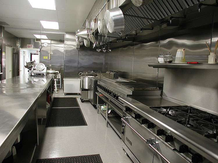 Tại sao nên sử dụng thiết bị bếp công nghiệp inox trong phòng bếp