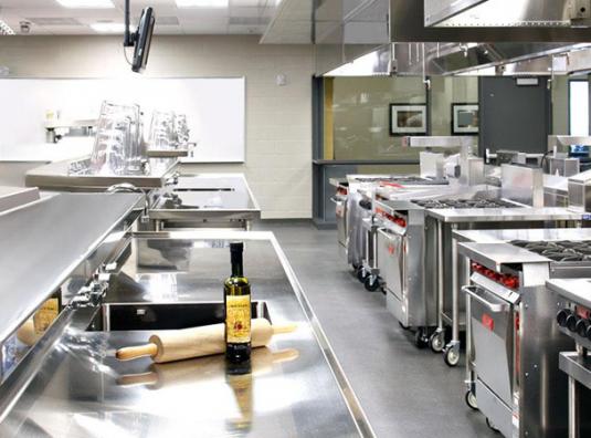 Các mẫu thiết kế bếp ăn trong khu công nghiệp và những lưu ý về phong thủy