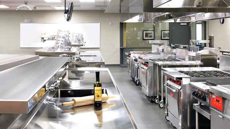 Thiết bị nấu đóng vai trò quan trọng nhất trong các bếp nhà hàng