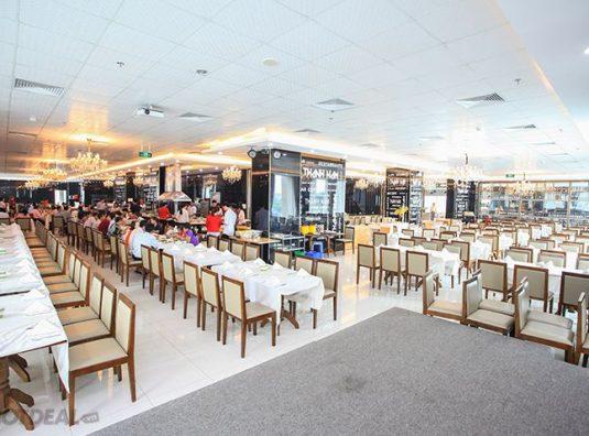Không gian bếp hiện đại của nhà hàng Thành Nam