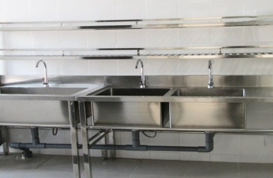 Cách sử dụng và vệ sinh chậu rửa công nghiệp hiệu quả và đúng cách