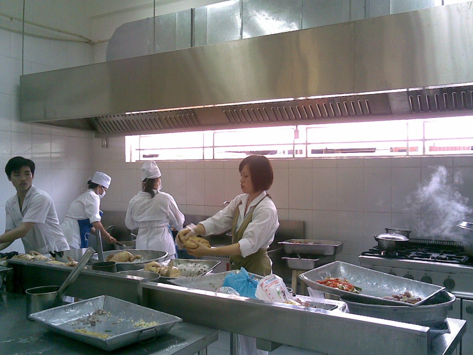 Bếp gas công nghiệp trong các bếp ăn tập thể