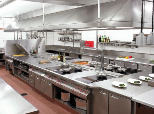 Những yếu tố ảnh hưởng đến giá bếp công nghiệp nhà hàng