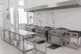 Cách bảo quản và vệ sinh các thiết bị bếp inox nhà hàng